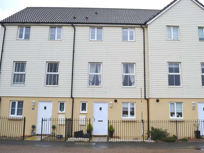 3 Bedrooms Terraced House for sale in Fremington