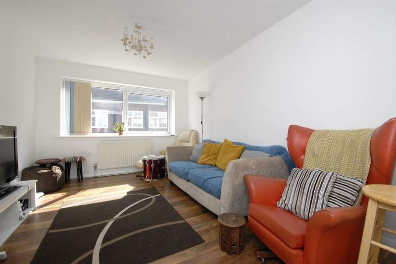 3 Bedrooms Flat for sale in Thornton House,