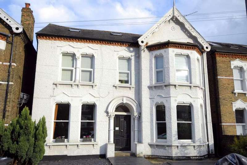 3 Bedrooms Ground Flat for sale in Sunderland Road ,Forest Hill