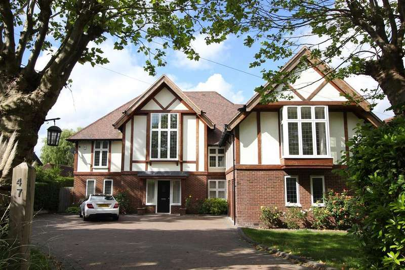 6 Bedrooms Detached House for sale in Mount Avenue, Hutton Mount, Brentwood