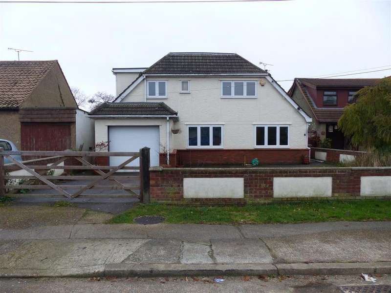 4 Bedrooms Detached House for sale in Coker Road, Canvey Island