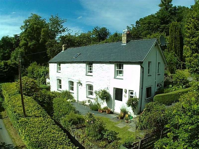 3 Bedrooms Detached House for sale in Peroryn, Talywern, Machynlleth, Powys, SY20