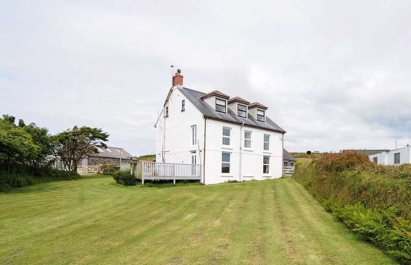 4 Bedrooms Detached House for sale in Newbridge, Penzance, Cornwall, TR20