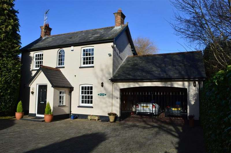 3 Bedrooms Cottage House for sale in Wimborne Road West, Wimborne, Dorset