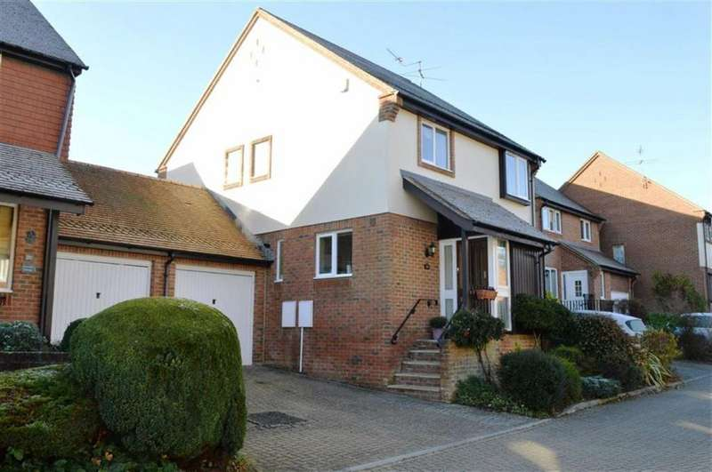 4 Bedrooms Detached House for sale in Walford Gardens, Wimborne, Dorset