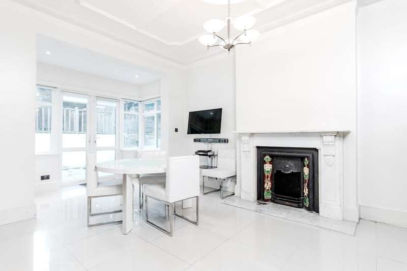 6 Bedrooms Detached House for sale in West Finchley, N3