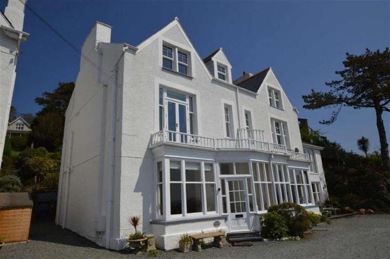 5 Bedrooms Semi Detached House for sale in High Cliffe, 2, Hillside, Aberdyfi, Gwynedd, LL35