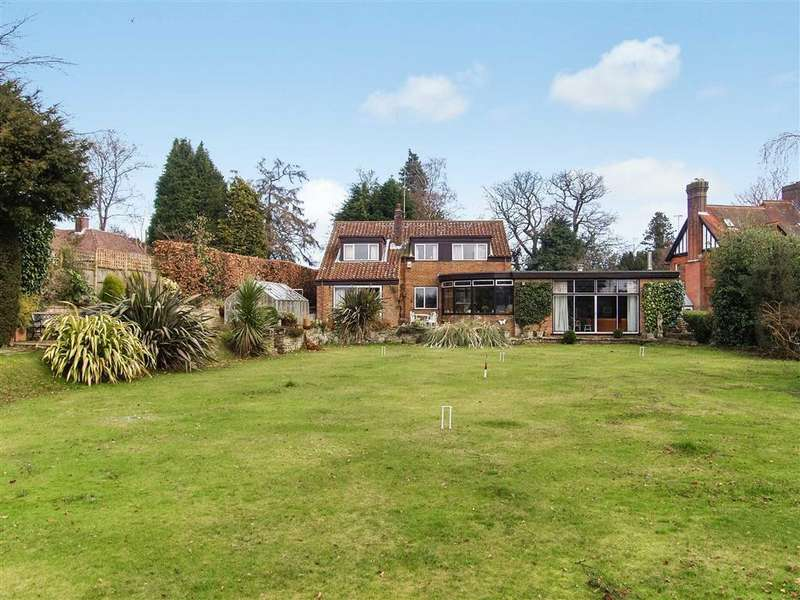 4 Bedrooms Detached House for sale in High Lane, Haslemere, Surrey, GU27