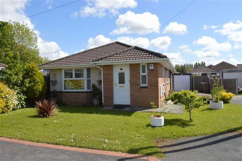 3 Bedrooms Detached Bungalow for sale in Wolferton Close, CH49