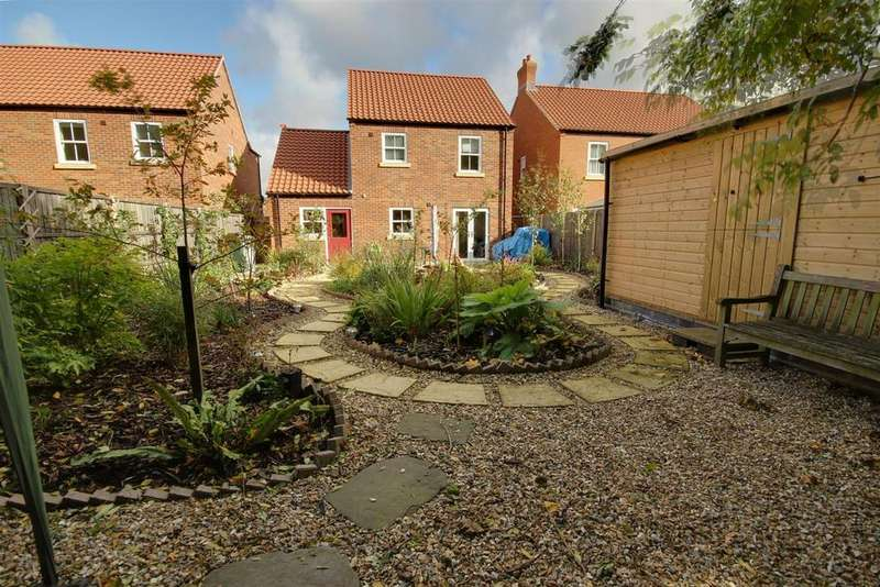3 Bedrooms Detached House for sale in 19 Birch Grove, Alford, Lincolnshire.
