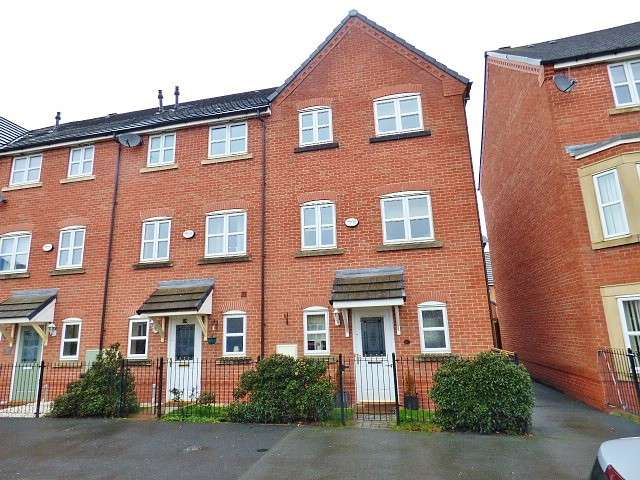3 Bedrooms Town House for sale in Portland Road, Great Sankey, Warrington