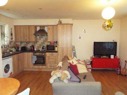 2 Bedrooms Flat for sale in Stansfield Street, Manchester, Greater Manchester
