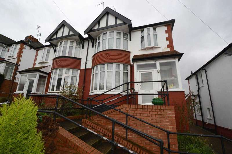 3 Bedrooms Semi Detached House for sale in Woodleigh Avenue, London