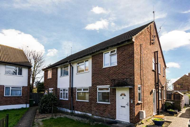 2 Bedrooms Maisonette Flat for sale in Amberley Court, Sidcup, DA14 6JT