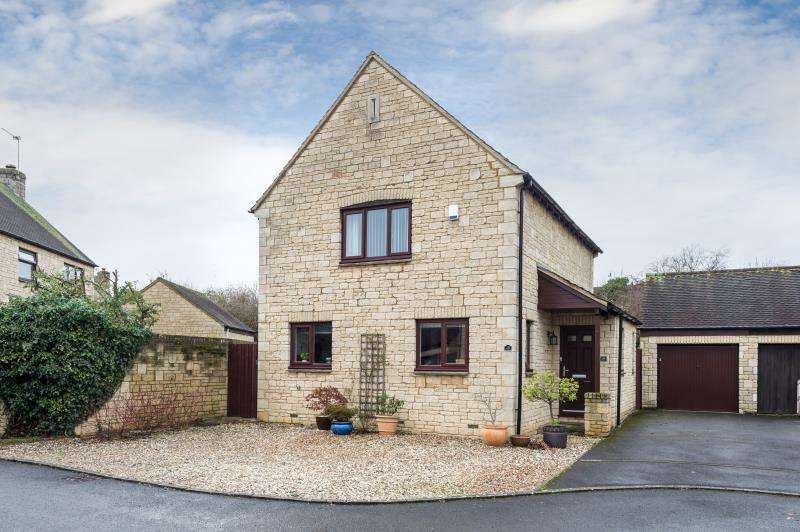 3 Bedrooms Detached House for sale in Stanway Close, Witney, Oxfordshire