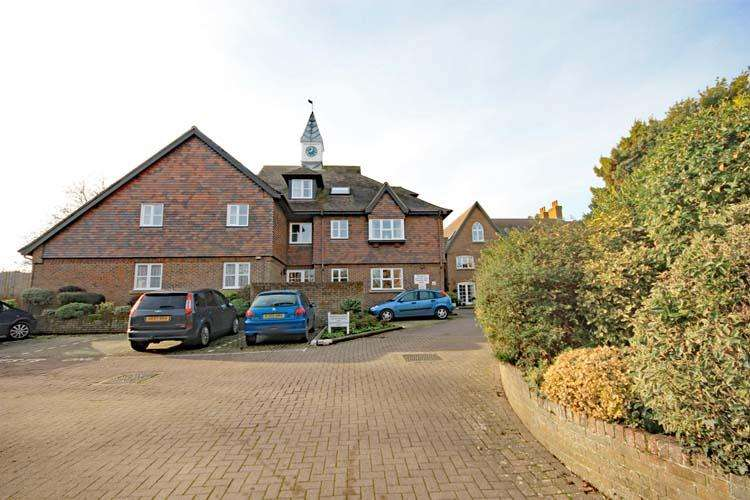 1 Bedroom Apartment Flat for sale in Church Lane, Lymington SO41