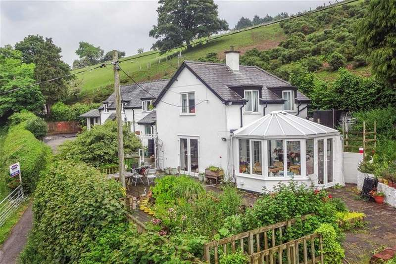 5 Bedrooms Detached House for sale in Carrog, Corwen