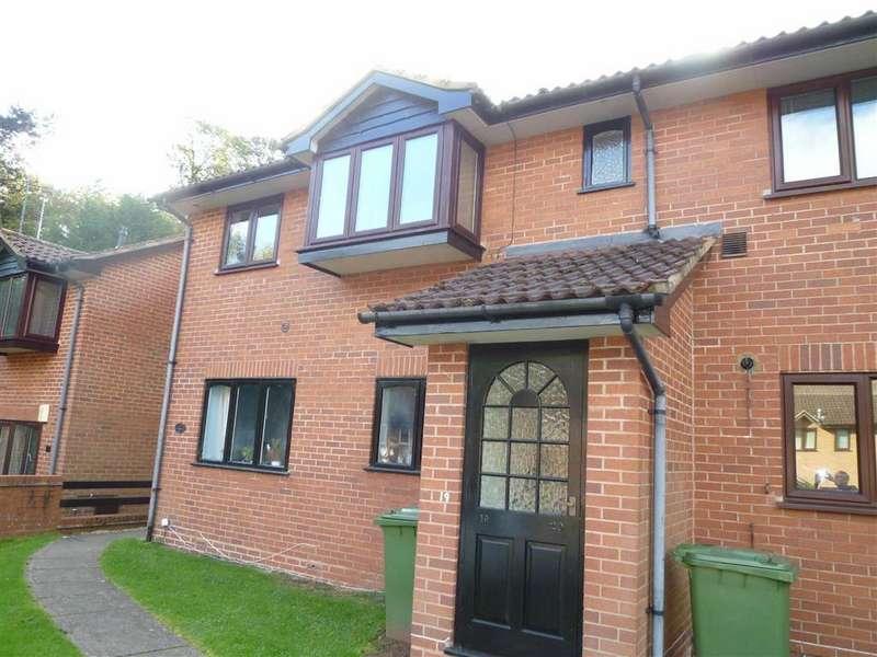 2 Bedrooms Flat for sale in Lower Parklands, Kidderminster, Worcestershire
