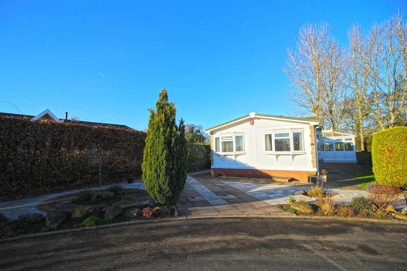 2 Bedrooms Park Home Mobile Home for sale in Harbury Lane, Heathcote, Warwick
