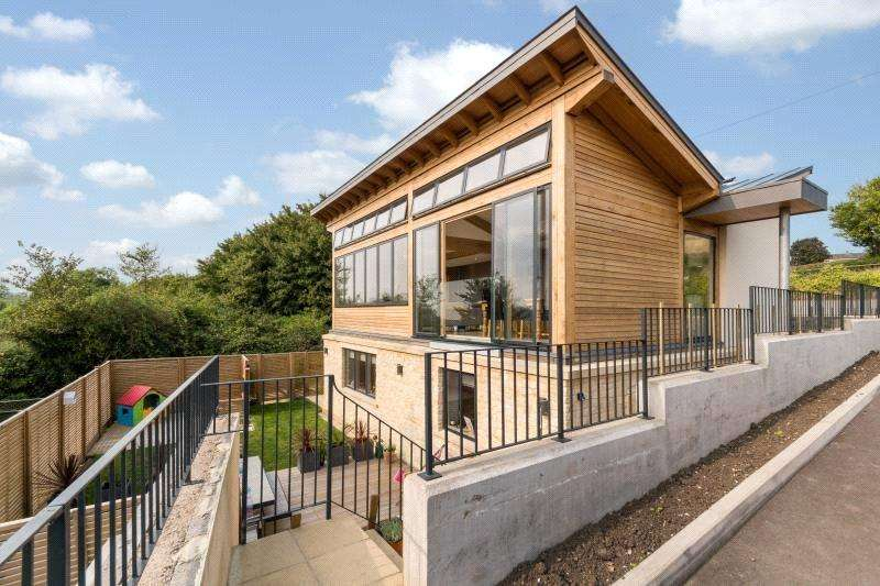 3 Bedrooms Detached House for sale in Haycombe Lane, Bath, BA2