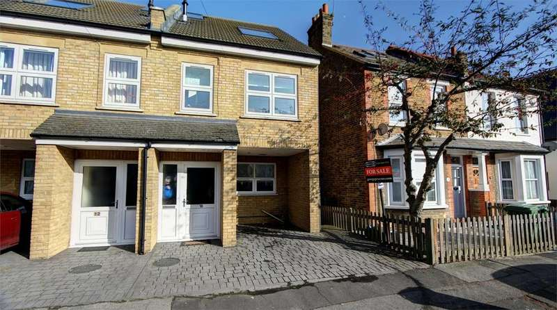 4 Bedrooms End Of Terrace House for sale in Elliott Road, Bromley, Kent