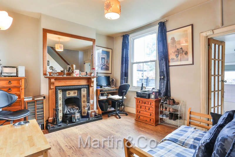 2 Bedrooms Terraced House for sale in Garth Road, Morden, SM4
