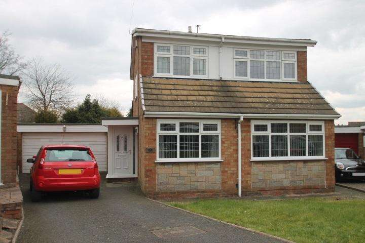 3 Bedrooms Detached House for sale in Compton Drive, Oakham, Dudley, DY2