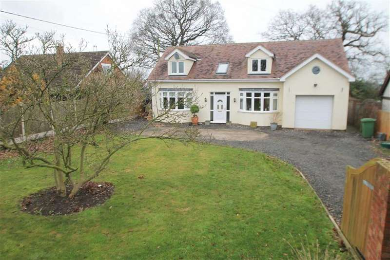 4 Bedrooms Detached House for sale in Bangor Road, Cross Lanes, Wrexham