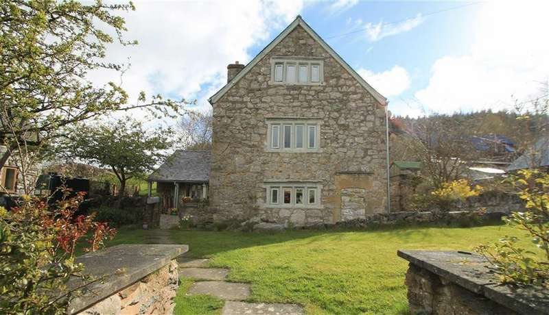 4 Bedrooms Detached House for sale in Llandegla