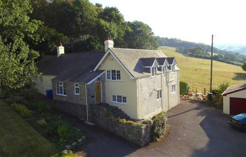 4 Bedrooms Detached House for sale in Bontuchel, Ruthin