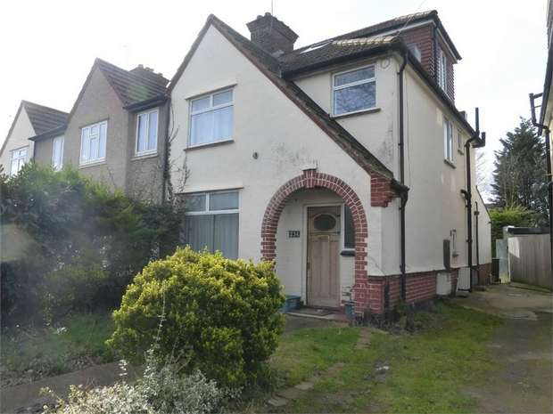 4 Bedrooms Semi Detached House for sale in Woodland Gardens, Isleworth, Middlesex