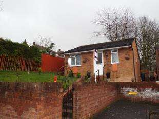 2 Bedrooms Bungalow for sale in Hybrid Close, Rochester, Kent