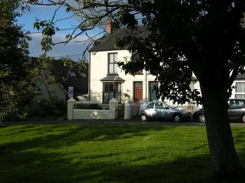 3 Bedrooms End Of Terrace House for sale in Honeyborough Green,