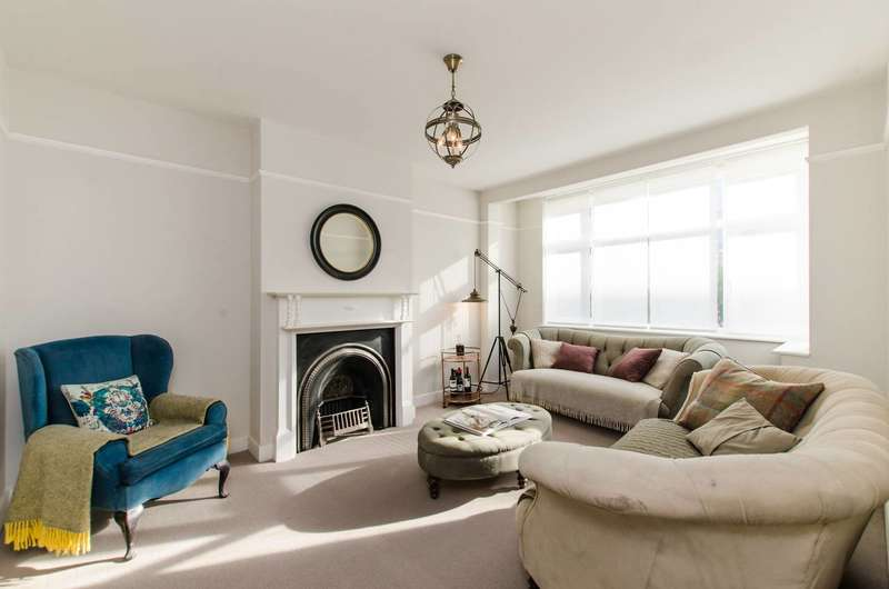 4 Bedrooms Terraced House for sale in Streatham High Road, Mitcham, CR4