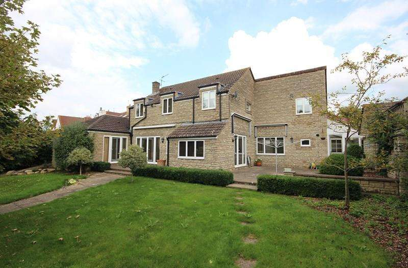 4 Bedrooms Detached House for sale in Church Road, Bitton, Bristol