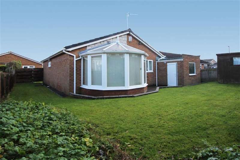 3 Bedrooms Detached Bungalow for sale in Thorn Close, Newcastle Upon Tyne, NE13