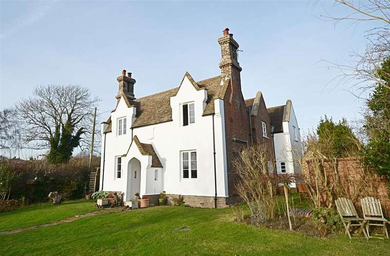 4 Bedrooms Detached House for sale in Main Road, Icklesham, Winchelsea