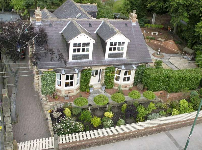 4 Bedrooms Detached Bungalow for sale in 21 Durham Road, Lanchester, Co Durham DH7