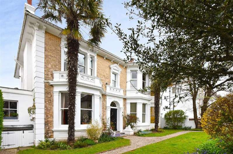 1 Bedroom Flat for sale in Denmark House, Hove
