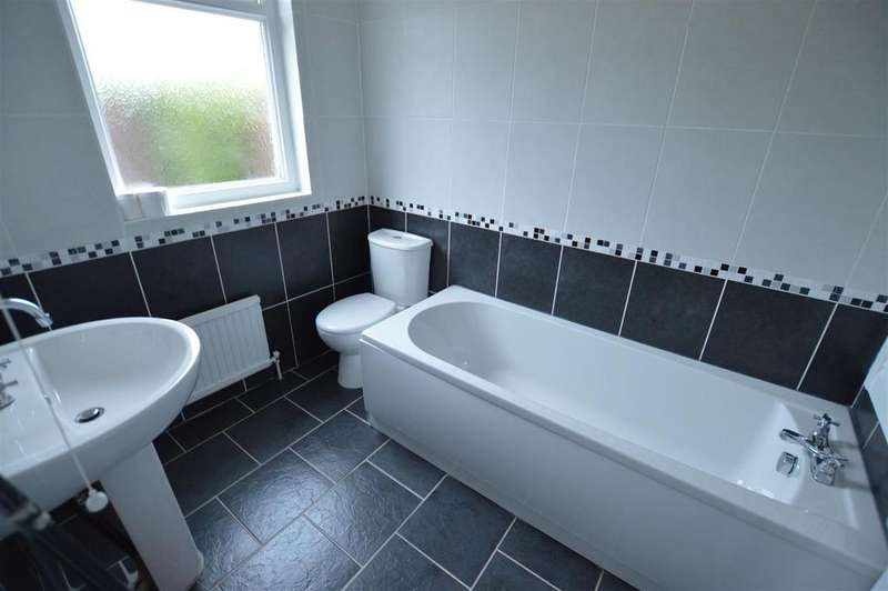 2 Bedrooms Detached Bungalow for sale in Gate Road, Penygroes