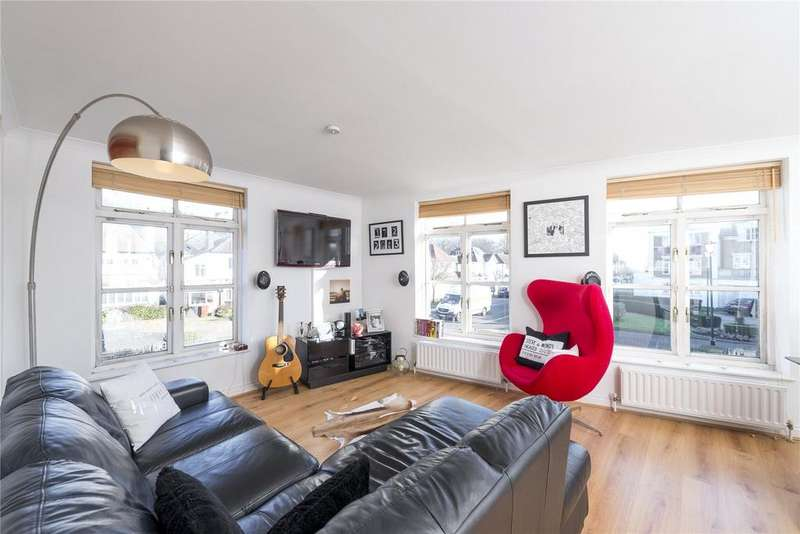 1 Bedroom Flat for sale in Fitzroy Crescent, Chiswick, London