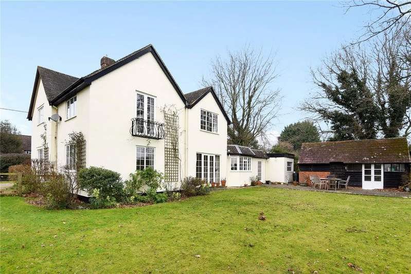 4 Bedrooms Detached House for sale in Marlborough Road, Pewsey, Wiltshire