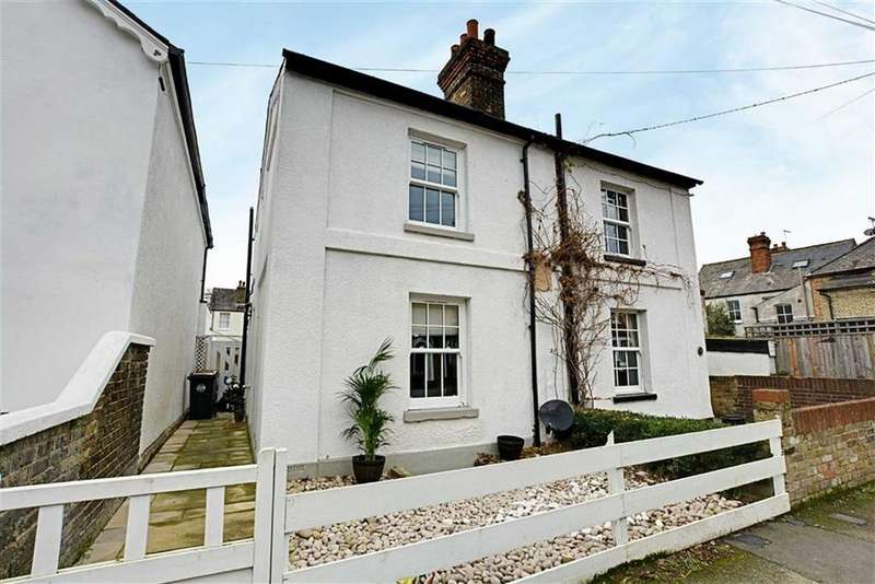 3 Bedrooms Semi Detached House for sale in Townshend Street, Hertford, Herts, SG13