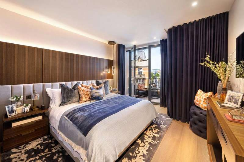 3 Bedrooms Apartment Flat for sale in Lincoln Square, Westminster, WC2A