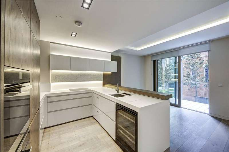 2 Bedrooms Apartment Flat for sale in Fitzroy Place, Fitzrovia, W1T
