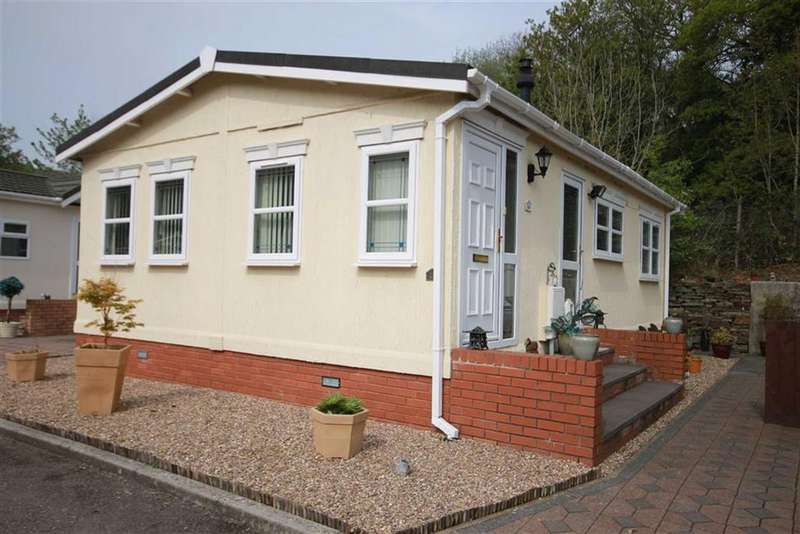 2 Bedrooms Detached House for sale in Woodlands Park, Treharris, CF46