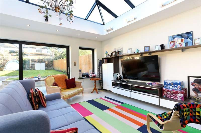 4 Bedrooms Semi Detached House for sale in Brookfield Avenue, Ealing, W5