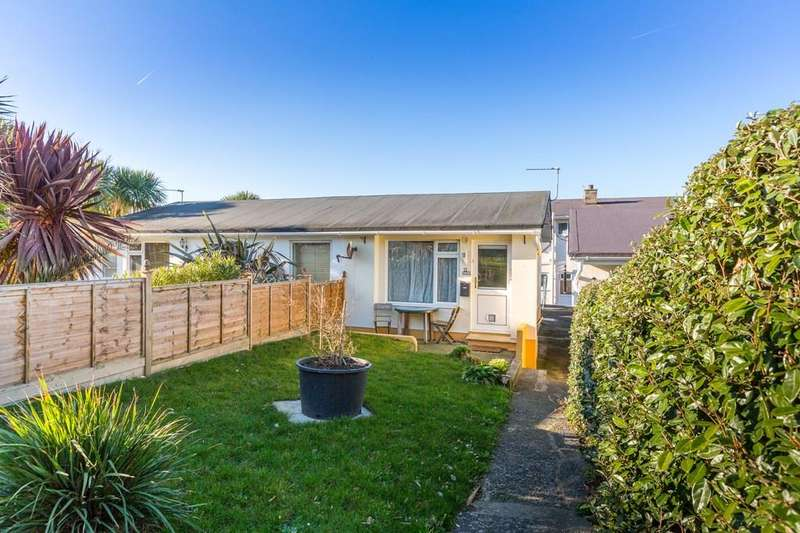 1 Bedroom Bungalow for sale in 9 Tropicana Bungalows, Castel, Guernsey