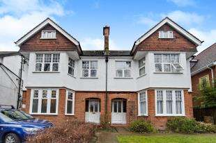 Flat for sale in Stanley Road, Sutton, Surrey, Greater London