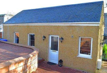 2 Bedrooms Bungalow for sale in Waterside Street, Kilmarnock, East Ayrshire